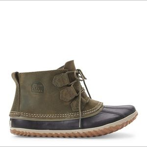 Sorel green ankle boots
